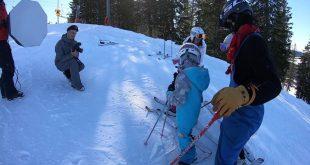 Senaste nytt från Kläppen idag! Rickard och jag svänger snowboard i solen och pr…