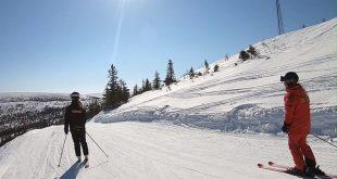 ATT JOBBA I VINTERPARADISET ❄️ Häng med när skidläraren Amanda och liftvärden So…